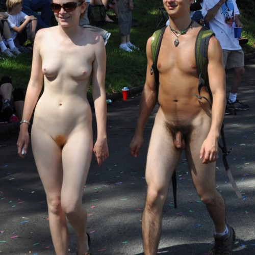 Bay-To-Breakers-Nude-Couple-500500  Nakedwalker200-4359