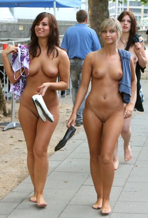 Смотреть фото обнаженных женщин.